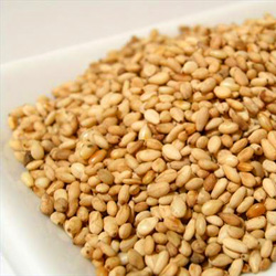 Sesamin is a compound found in sesame oil that has many health benefits including the ability to stabilize blood sugar levels and increase fat metabolism.